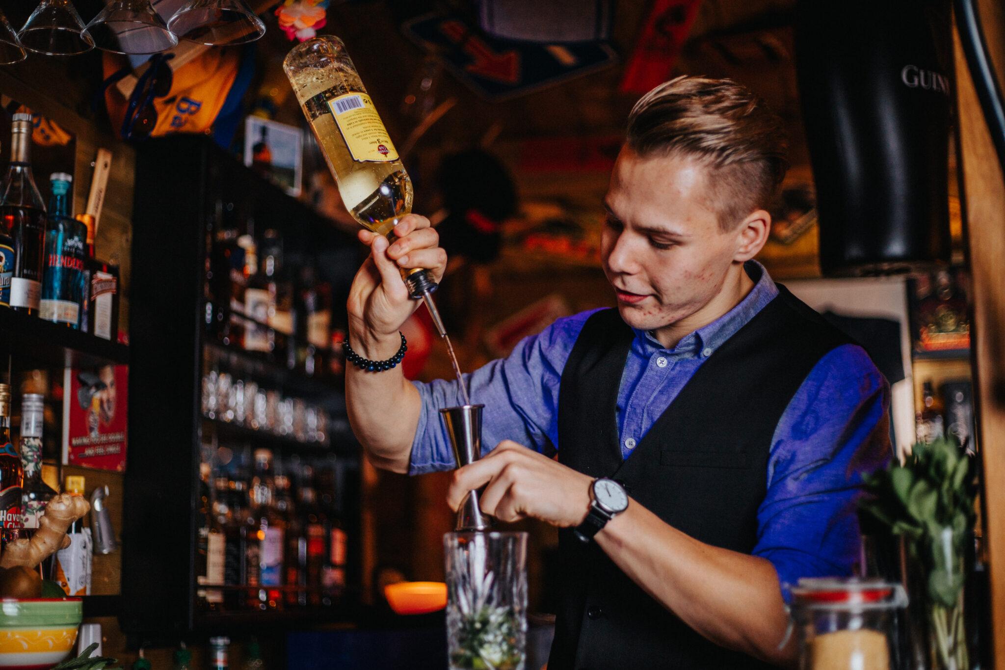 Cocktail Artist ; SHOOT. (108)